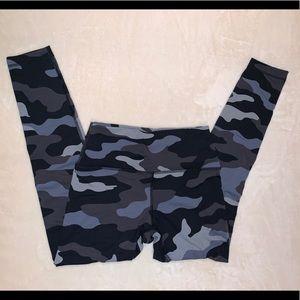 PINK Victoria's Secret Gray/Black Camo Leggings